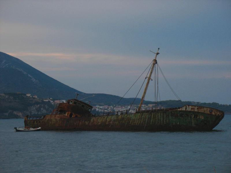 shipwreck peloponnese gialova