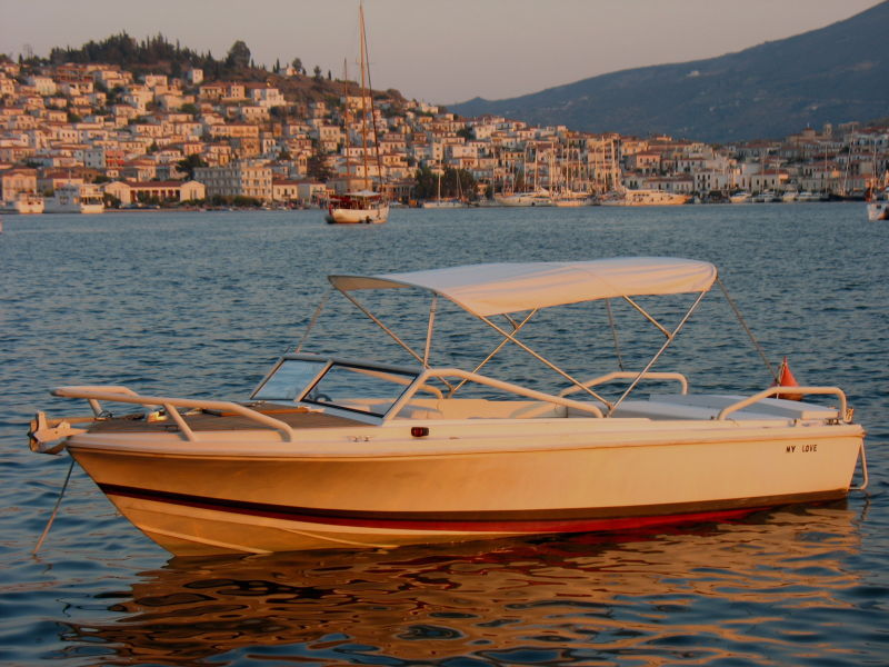 poros island boat vacation