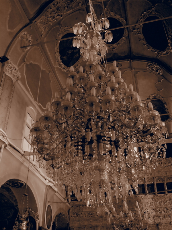chandelier chios