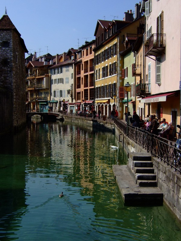 photo of annecy in the french alps