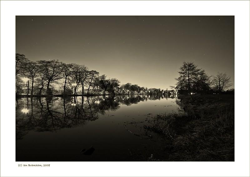 Pond - Streetlights