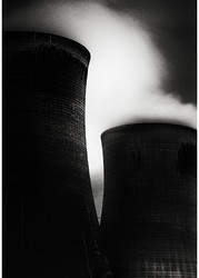 Fiddlers Ferry at Night