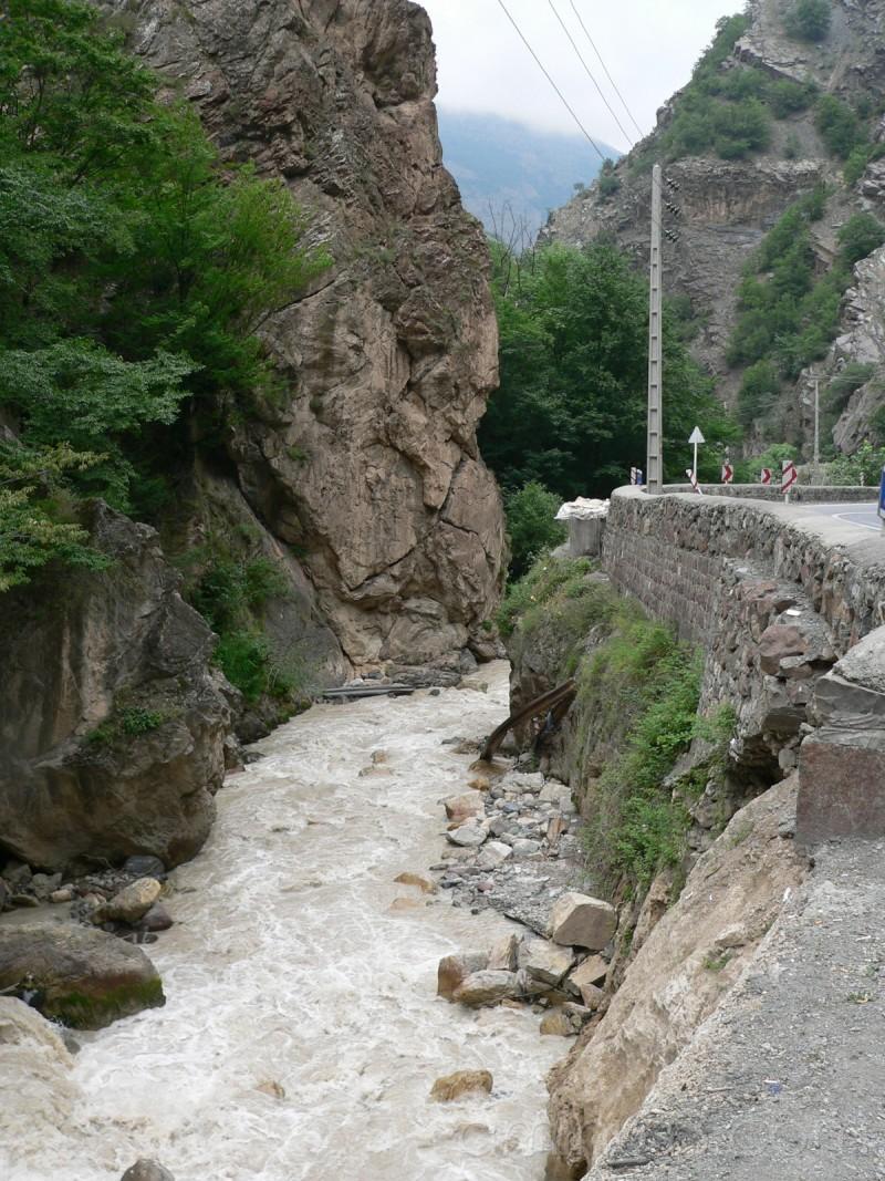 Chalos road
