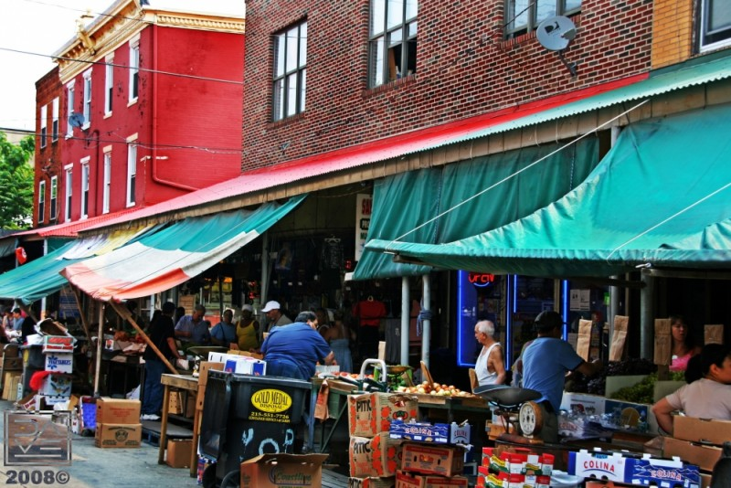 THE ITALIAN MARKET ON 9TH STREET