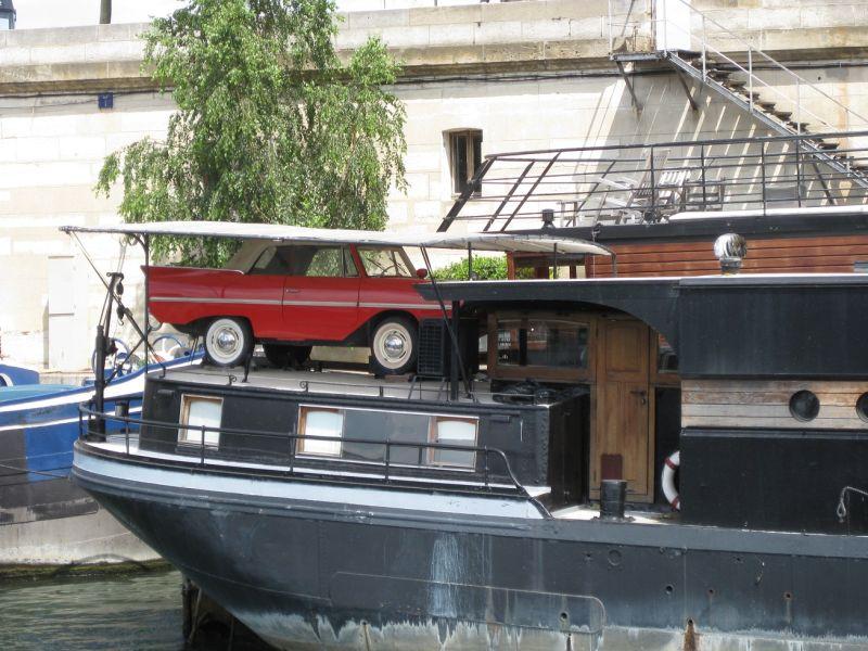 Seen on the Seine, June 2009