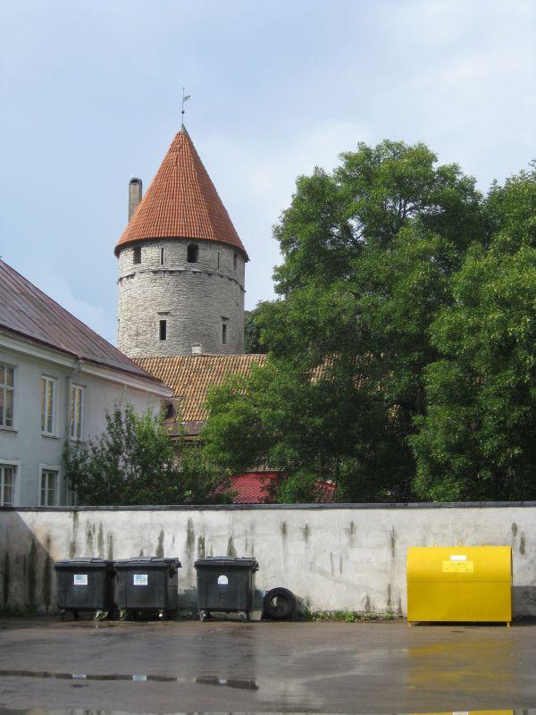 Juxtaposition, Tallinn, August 2009