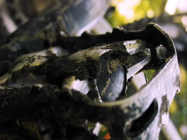 muddy pedal