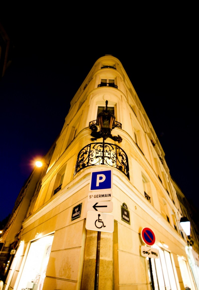 An Angle in Paris'St Germain....