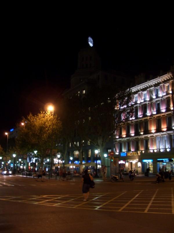 Placa Cataluña bei Nacht
