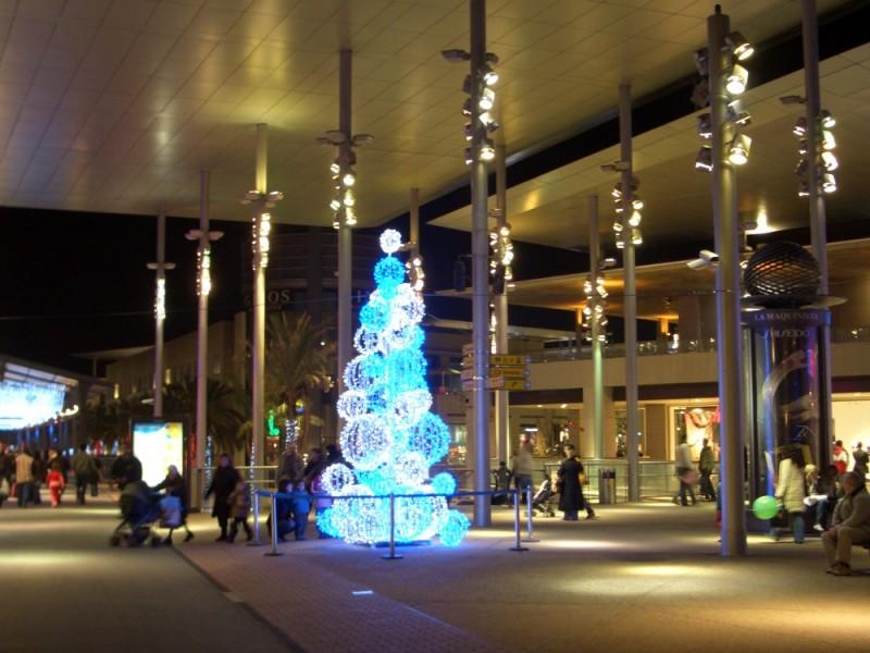 Weihnachtsbeleuchtung im Einkaufszentrum II