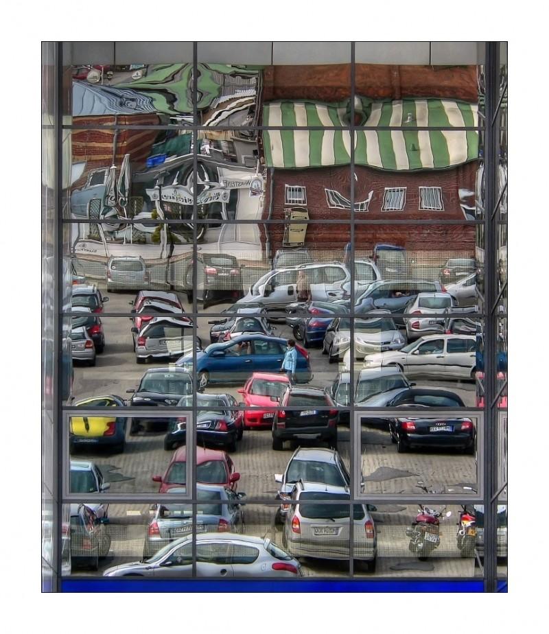 Parkplatz im Spiegel