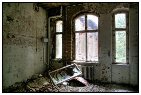 Kaputtes Fenster in Beelitz