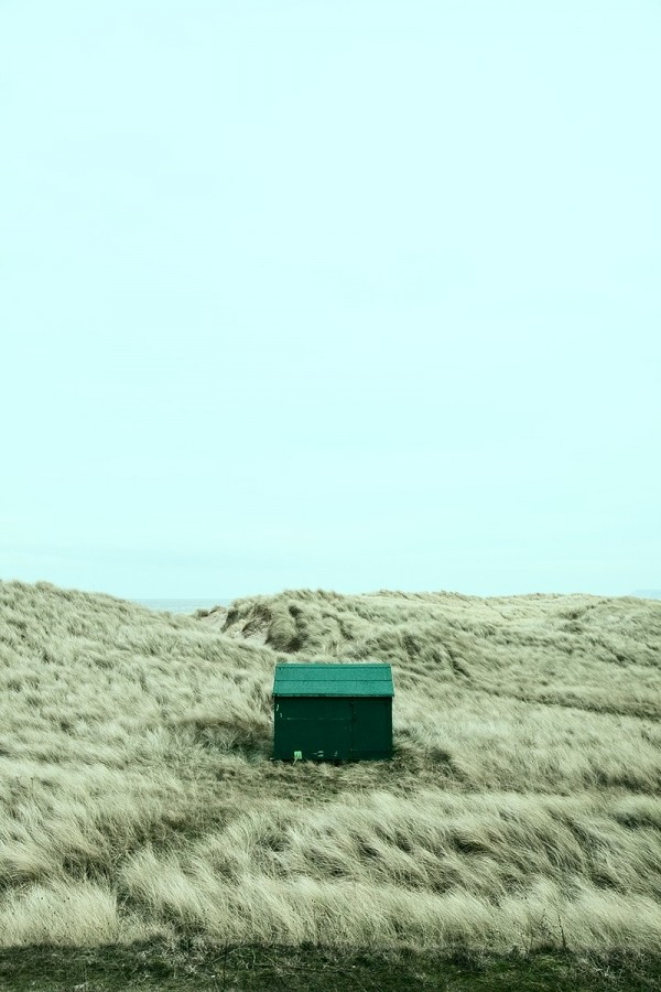 shed, sand dunes, cold, winter, windy