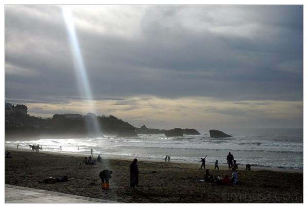 rayon de soleil sur la plage de Biarritz, Ernult