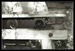Ancienne scie à moteur