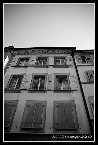 Façade d'immeuble à Lausanne