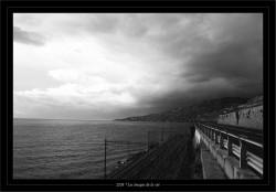 Le mauvais temps menace sur la corniche.