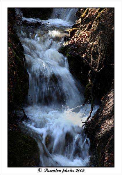 Waterfall, pléiade, vevey,lac léman, suisse.