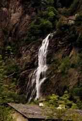 Waterfall . pissvache, eau, chute d'eau,