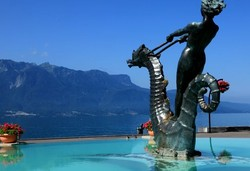 statue sise à vevey.statue located in Vevey.