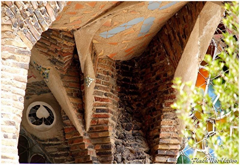 Cripta Gaudi-Detalle