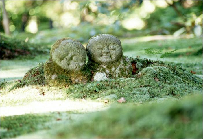 kyoto moss stone carving ohara japan 大原 京都 japan