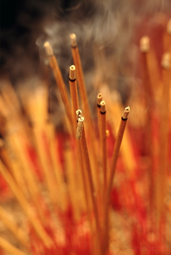 incense vietnam sticks ベトナム 仏 寺