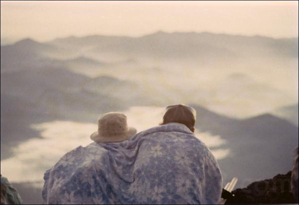 japan couple tokyo mount fuji 富士山 山 雲 clouds lover