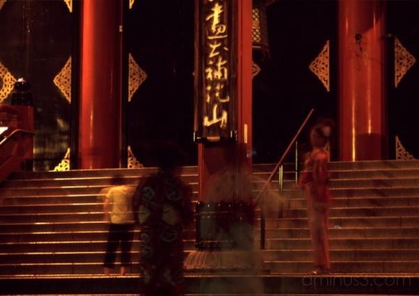 lights tokyo japanese asakusa kimono yukata 浅草 浅草寺