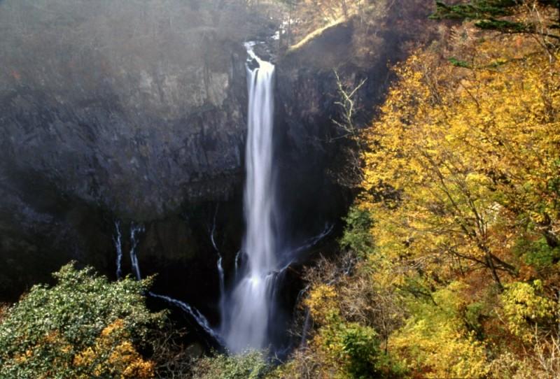 sky lake nikko 日光 もみじ 紅葉 湖 waterfall 滝