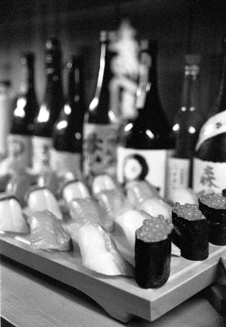 sushi and sake すし酒 saki nihonshu 日本酒 shochu 焼酎