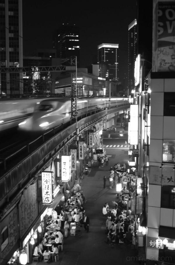 shinkansen & street vendors 新幹線と屋台 (tokyo, japan)