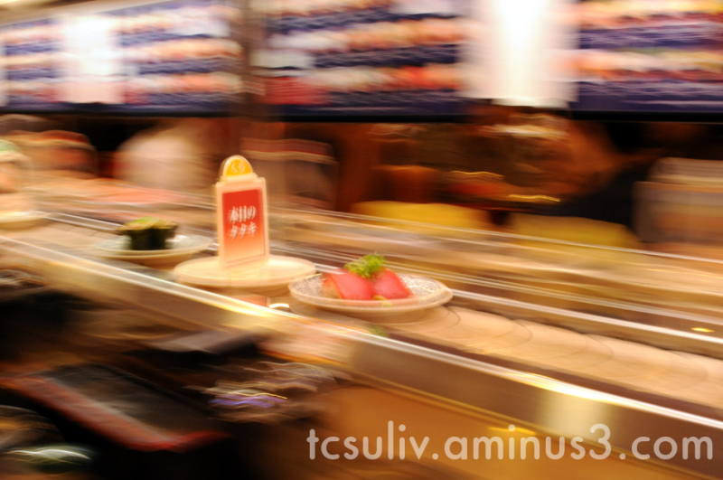 go-round sushi train 寿司 kaiten-sushi fish food 魚