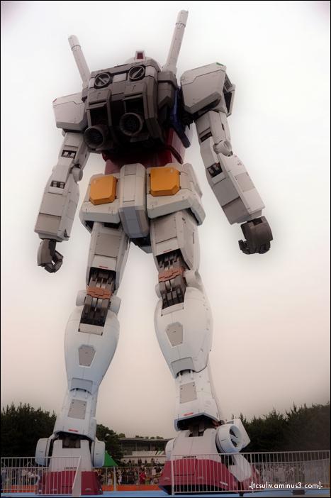 gandam Gundam RX-78 standing tall in Odaiba, Tokyo