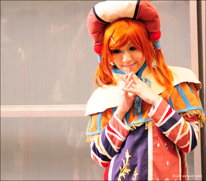 cute japanese girl cosplay at tokyo gameshow 2009