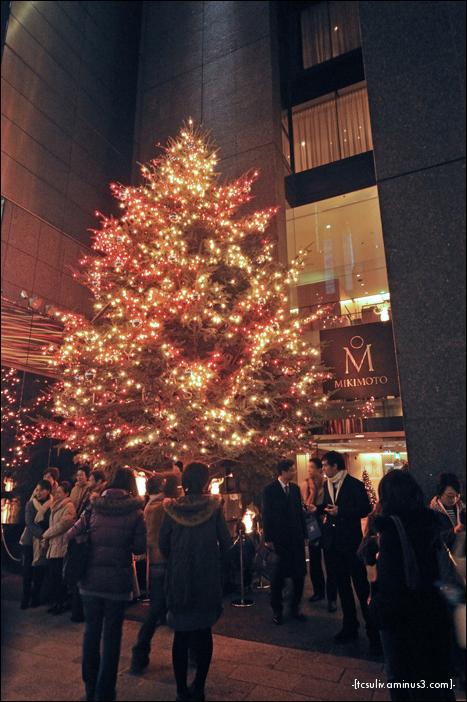mikimoto christmas tree (ginza)