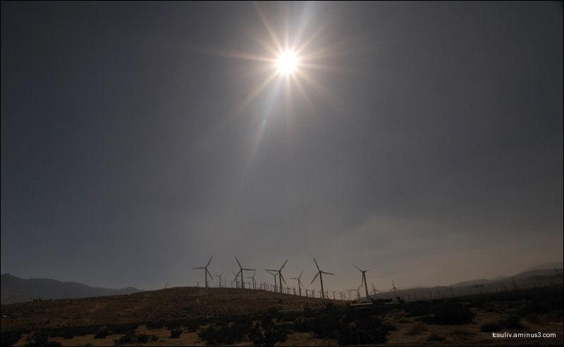 Turbines of California カリフォルニアである風力タービン