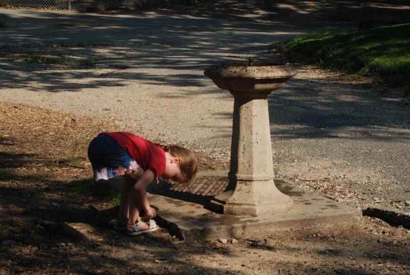 little girl, water fountain