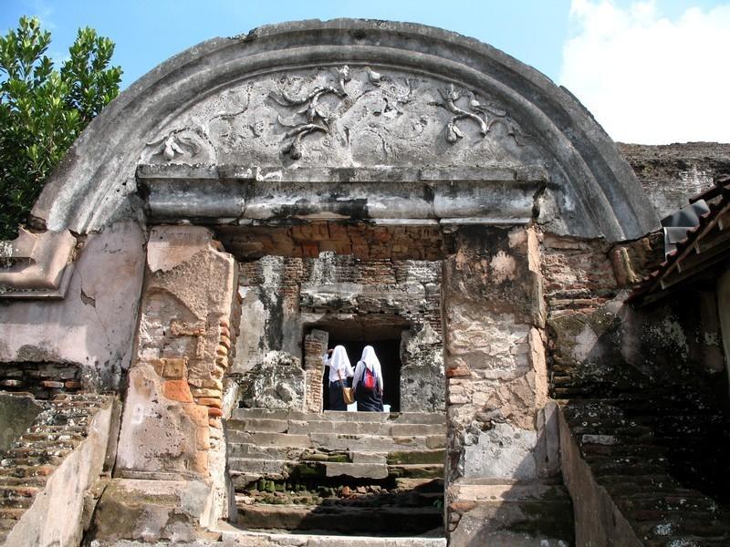 1. Water Castle (Tamansari)