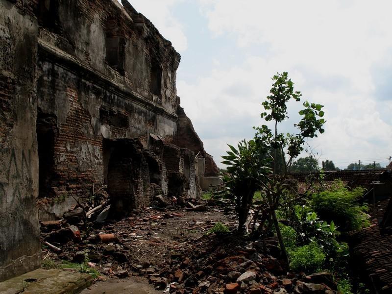 2. Taman Sari (Water Castle)