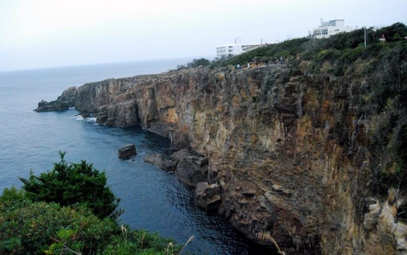 三段壁/Sandan-peki rock cliff