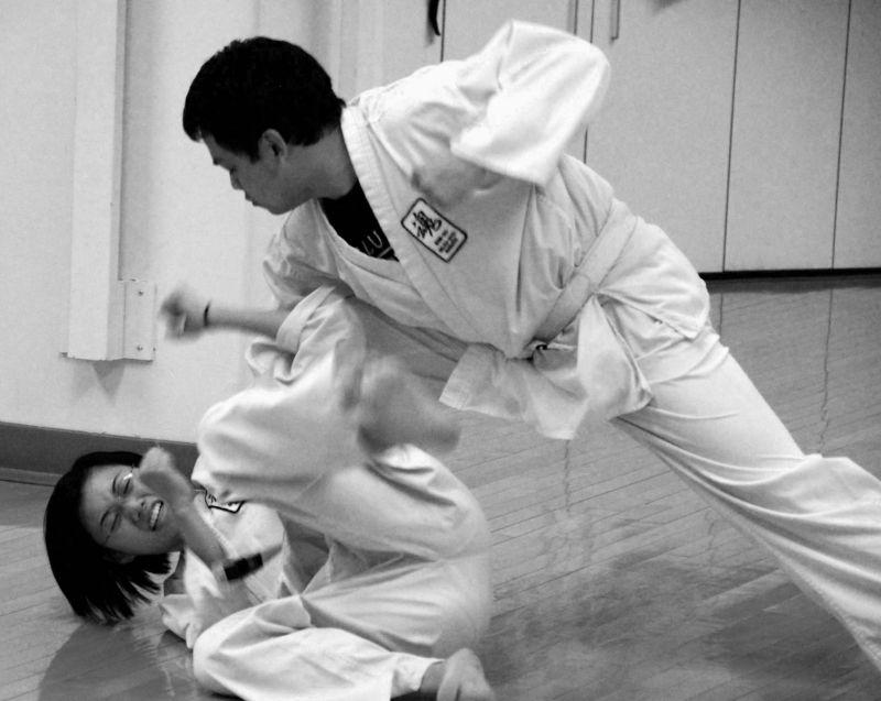 goju-ryu karate: to escape from a choke hold