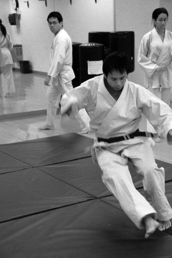 goju-ryu karate: learning to fall backwards 1