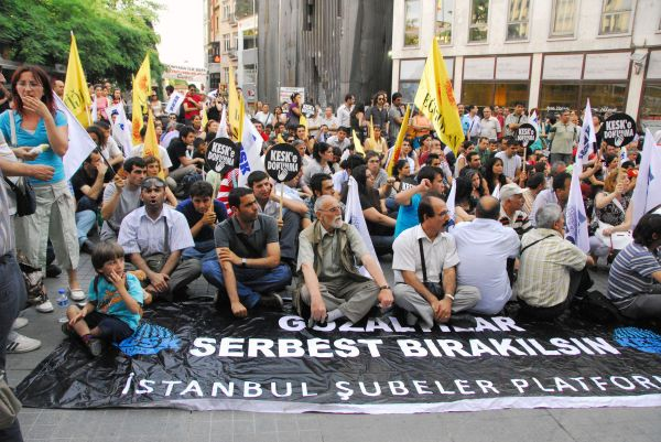 istiklal caddesi protest