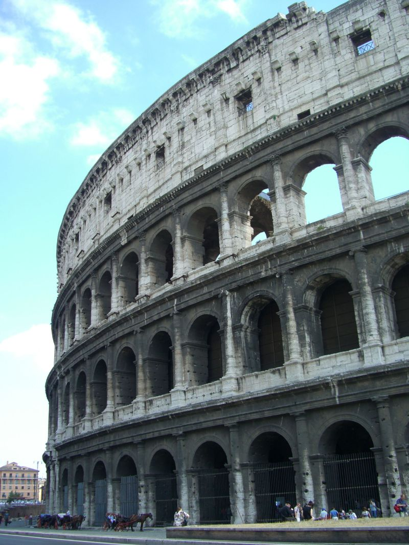towering colosseo