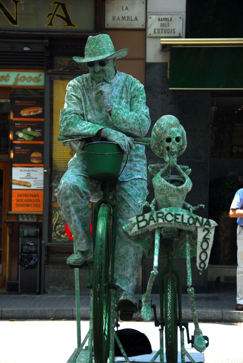 l'esquelet i el seu amic