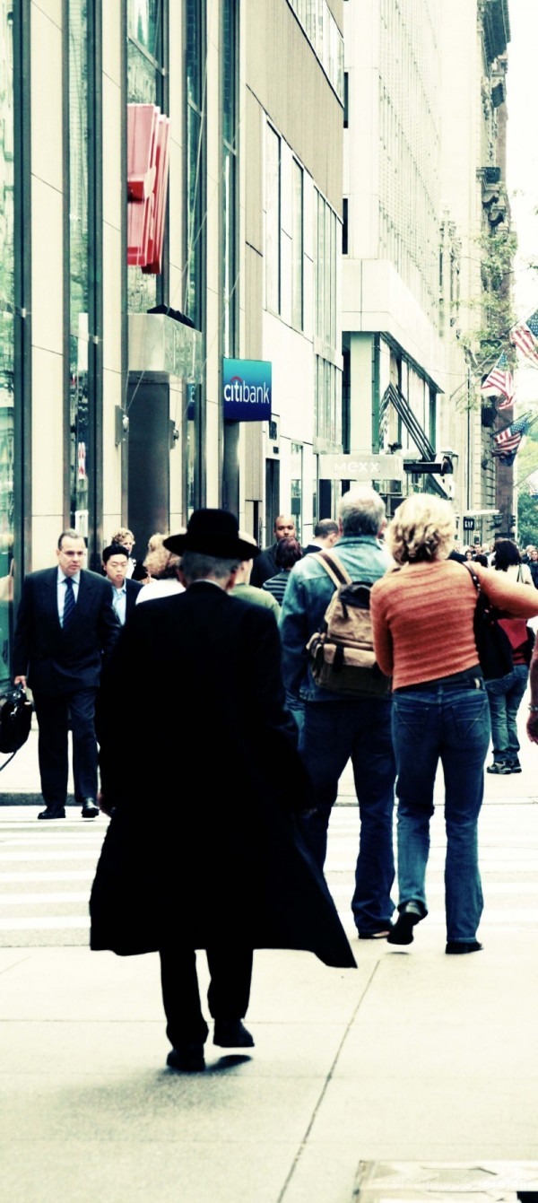 man on 5th avenue new york