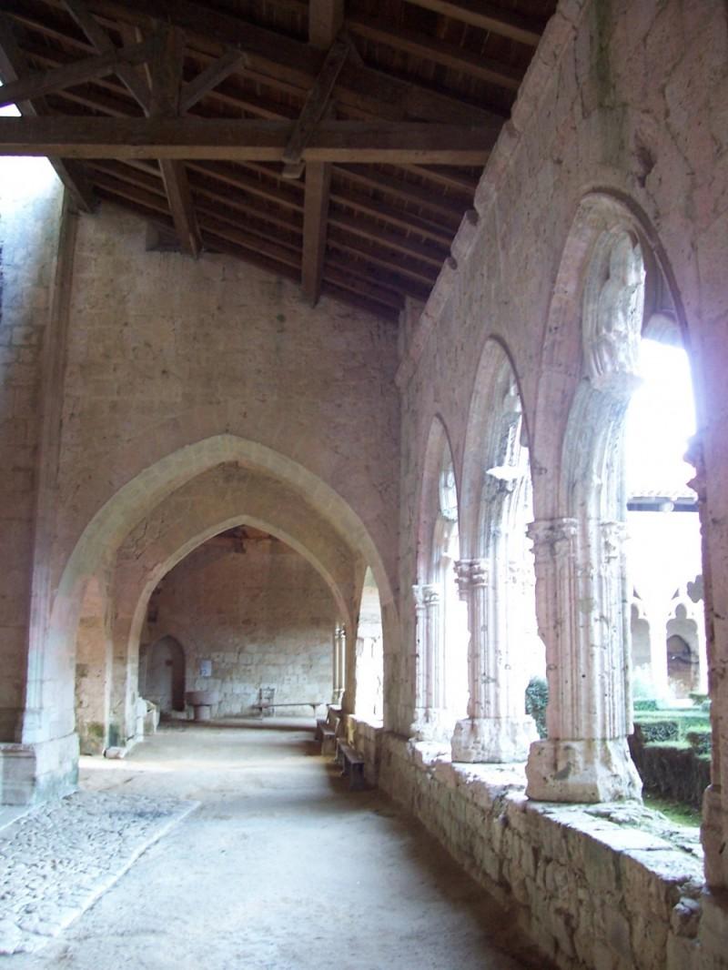 profane saint valentin architecture église collegi