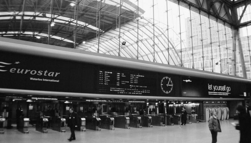 eurostar departure at waterloo, london