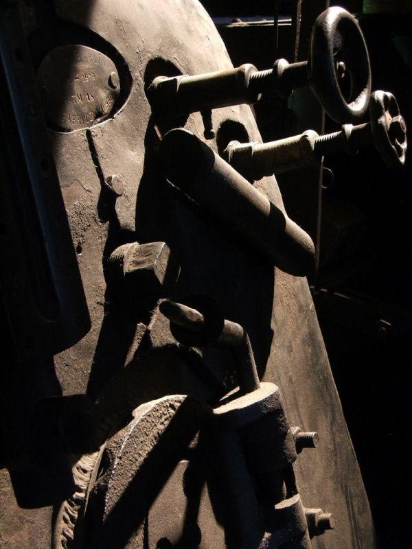 Train steam engine valves